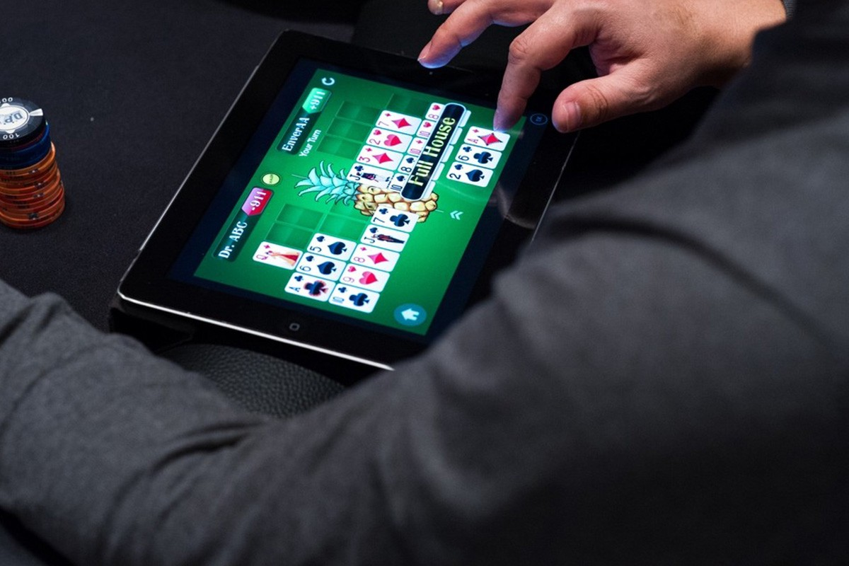 Poker On-line - Four Suggestions To Choose Websites For Enjoying - Gambling